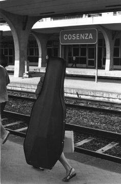 Ferdinando Scianna.   Cosenza, Italy: rail station.
