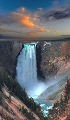 Yellowstone National Park, Wyoming /// #wanderlust #travel #waterfall