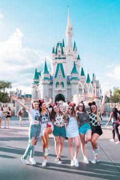 Orlando Bound: My first girl's trip! Orlando Bound: The journey of my first girl! Cute Disney Pictures, Disney World Pictures, Cute Friend Pictures, Best Friend Pictures, Friend Pics, Friend Goals, Disney World Fotos, Disney World Trip, Disney Trips