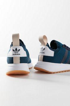 online store 20a8e e1a9f adidas Originals Flashback Primeknit Sneaker