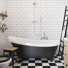Foam & Bubbles: get the look black and white bathrooms 01