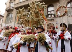A Ukrainian Orthodox family in Canada shares five of their most treasured Christmas traditions. Ukrainian Christmas, Christmas Star, First Christmas, Christmas Holidays, Christmas Wreaths, Christmas Decorations, Merry Christmas, Ukrainian Recipes, Ukrainian Art