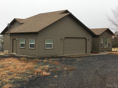 FEATURED LISTING: 14987 Southwest Peninsula Drive, Terrebonne OR 97760 | Single level home on the rim in Crooked River Ranch with views of Smith Rock and the canyon below | fredrealestate.com