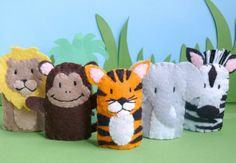 Jungle Creatures - Felt Finger Puppets (one set in stock) via Etsy Felt Puppets, Puppets For Kids, Felt Finger Puppets, Hand Puppets, Felt Diy, Felt Crafts, Diy And Crafts, Zebra Craft, Diy For Kids