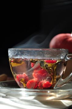Keep yourself cozy with a cup of delightful hot tea! With flavors like rose milk and raspberry--you're sure to find a new favorite in these hot tea recipes! Grog, Hot Tea Recipes, Raspberry Tea, Fruit Tea, Fruit Cups, Flower Tea, Tips & Tricks, Loose Leaf Tea, My Tea