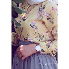 😌 . . . Desenli gömleklerimde adetler sınırlı oluyor biliyorsunuz o yüzden vakit kaybetmeden 05347044561 numaramızla whatsapptan iletişime… Dressy Casual Outfits, Hijab Style, Casual Hijab Outfit, Hijab Chic, Abaya Fashion, Muslim Fashion, Skirt Fashion, Modest Fashion, Fashion Dresses