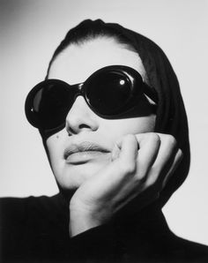 Robert La Roche, Sunglasses, model Advertising campaign for the women's collection, Photographed by Gerhard Heller (Photo model: Cordula Reyer), ca. Gerhard, Museum, Black N White, Advertising Campaign, Vintage Inspired, Sunglasses Women, Photography, Designs, Cover