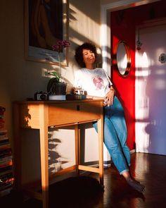 tô amando tanto que tá chegando o verão e o sol invade o apartamento de  manhãzinha e no fim da tarde rebatido do reflexo da janela dos outros  prédios ... 46327f3878