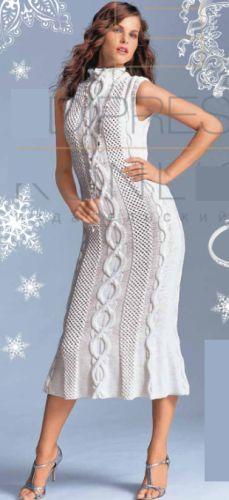 Женское белое платье, вязаное спицами