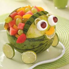 Watermelon Carving Ideas - Make the most of melon season by having a little fun with fruit! Try these watermelon carving ideas for your next summer party. Cute Food, Good Food, Yummy Food, Fruits Decoration, Fruit Creations, Food Carving, Watermelon Carving, Carved Watermelon, Weird Food