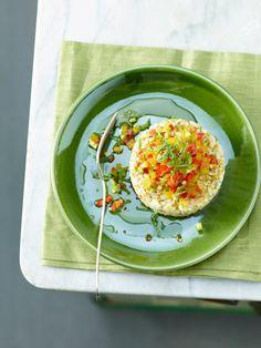 Un primo piatto estivo sfizioso e freschissimo adatto anche a chi è a dieta o segue un regime alimentare vegetariano. Prova la ricetta di Sale&Pepe.