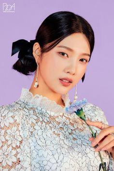 Seulgi, Kpop Girl Groups, Korean Girl Groups, Kpop Girls, Red Velvet Joy, Velvet Style, Red Pictures, Park Sooyoung, Queens