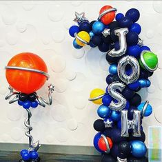 Celebrate the anniversary of the moon landing with these 32 outer space themed balloon party decor ideas! Baby Boy 1st Birthday Party, 2nd Birthday Party Themes, Birthday Balloon Decorations, Birthday Balloons, Space Baby Shower, Astronaut Party, Outer Space Party, Balloon Arrangements, Moon Party