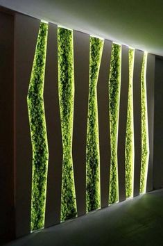 Beautiful indoor green vertical garden - Follow #ecogentleman to learn more about urban farming, creative gardening and modern landscape planning. #garden #verticalgarden #landscaping #green #sustainable #ecofriendly