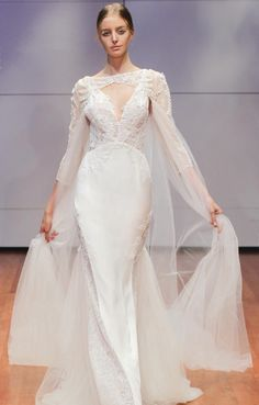 Half Sleeved Lace Pattern Top A-line Tulle Wedding Dress
