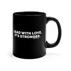 Not that kind of doctor Black mug Apple Shop, Vintage Records, Strong Love, Round Corner, Coffee Mugs, Handmade Items, Ceramics, Gifts, Shopping