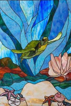 Stained glass sea turtle by angelique - Cool Glass Art Designs Stained Glass Quilt, Faux Stained Glass, Stained Glass Lamps, Stained Glass Designs, Stained Glass Panels, Stained Glass Projects, Stained Glass Patterns, Mosaic Art, Mosaic Glass