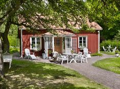 Small Cottage Homes, Small Cottages, Cabins And Cottages, Swedish Cottage, Red Cottage, This Old House, My House, Swedish Interior Design, Brook House