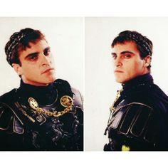 Joaquin Phoenix Gladiator, Gladiator 2000, Crush Crush, Joker, Formal Wear Women, Grey Beards, River Phoenix, Vintage Boys, Mamma Mia