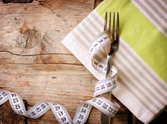 Μερικές φορές αυτό που πραγματικά χρειαζόμαστε είναι μια δίαιτα με εγγυημένα αποτελέσματα στο σώμα μας, άμεσα και γρήγορα. Αυτή η δίαιτα υπάρχει, αλλά πρέπει να την ακολουθήσουμε με προσοχή. Paleo Diet, Ketogenic Diet, 2 Week Diet, Fat Loss Diet, Diet Plans To Lose Weight, Intermittent Fasting, Vegetarian, Eat, Tableware