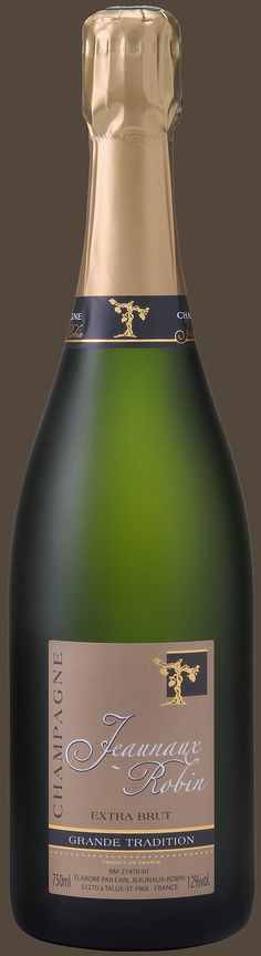 """Extra-Brut ou Demi-sec de dessert Grande Tradition """"Le Talus Saint Prix"""" • Composition {60% Pinot Meunier 30% Pinot Noir 10% Chardonnay - Vendanges 2011-2010}  • bouteille extra brut à 22,50€ et bouteille demi-sec à 23€  • Contact au 04 42 64 03 60 • N'hésitez pas à nous appeler pour plus d'informations ou si vous souhaitez effectuer une commande • #champagne #bio #organic"""