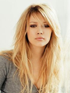 Cute and Effortless Long Layered Haircuts with Bangs 2018 Layered Haircuts With Bangs, Side Bangs Hairstyles, Easy Hairstyles For Long Hair, Straight Hairstyles, Layered Hairstyles, Haircut Layers, Trendy Hairstyles, Fashion Hairstyles, Fringe Hairstyle