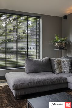Living Room Modern, Home And Living, Window Grill Design Modern, Modern Curtains, Apartment Interior, New Homes, House Design, Interior Design, House Styles