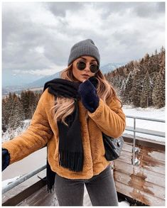 winter outfits christmas Adorable Winter Outfits With Beanies GALA Fashion Winter Mode Outfits, Winter Outfits Women, Winter Fashion Outfits, Autumn Winter Fashion, Fall Outfits, Cute Outfits, Winter Snow Outfits, Beanie Outfit, New York Outfits