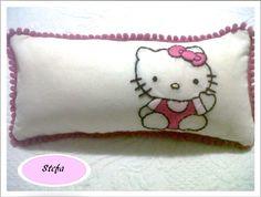 Kitty bordado a mano