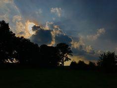 """Léon Becker on Twitter: """"Amazing sunset today. https://t.co/mtAh5jJthv"""""""