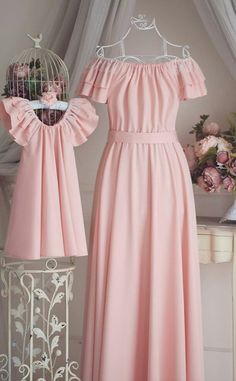 Mommy And Me Dresses, Mom Dress, Dresses Kids Girl, Mother Daughter Matching Outfits, Mother Daughter Fashion, Baby Dress Design, Baby Girl Dress Patterns, Cheap Formal Dresses, African Wear Dresses
