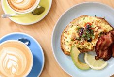 Best Brunch in NYC: Good Brunch Spots to Try in Every NYC Neighborhood - Thrillist Brunch Nyc, Brunch Spots, Rooftop Restaurants Nyc, Micro Herbs, Beachy Colors, Basil Oil, Cafe Food, Bloody Mary, Avocado Toast