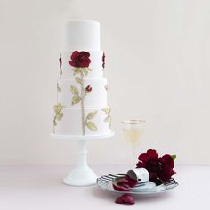 Dolce & Gabbana's signature sequin rosette motif was mirrored on this stunning four-tiered haute couture wedding cake.