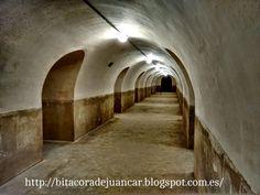 Bitácora de Juancar. Valencia Centro Histórico en imágenes. Rincones y lugares. : Curiosidades: El Refugio Antiaéreo del Instituto L...