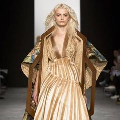 See all the Collection photos from Westminster University Autumn/Winter 2015 Ready-To-Wear now on British Vogue Fall Winter, Autumn, Westminster, Ready To Wear, Sari, Vogue, Bohemian, How To Wear, University
