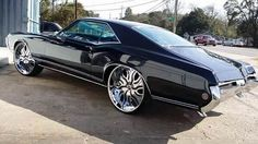 69 Buick Riviera on 26 inch Zig Zags Rucci Wheels . See more cars and trucks pictures at BigRims.us website. Donk Cars, Chevy Pickup Trucks, Gmc Trucks, Buick Riviera, Old School Cars, Big Wheel, American Muscle Cars, Custom Cars, Custom Wheels