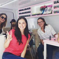 Guapísimas @fatimatorre , @reginablandon y @zoraida_  en#ClotiMóvil ❤️ #Cloti