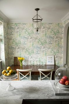 Taking the Wallpaper Plunge: Real Life Tips on How To Make It Work