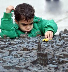Un enfant découvrir Strasbourg autrement...