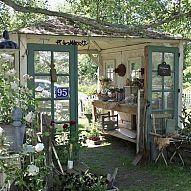Gartenhaus aus alten Türen