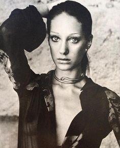 Marisa Berensen 1974. I'd die to have this snake necklace. #retroglam #bohobabe #marisaberenson  @laurakitty