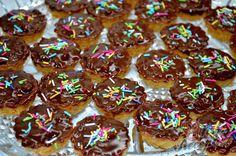 Košíčky s ořechovou náplní   NejRecept.cz Petra, Doughnut, Cereal, Food And Drink, Drinks, Breakfast, Cookies, Ethnic Recipes, Advent