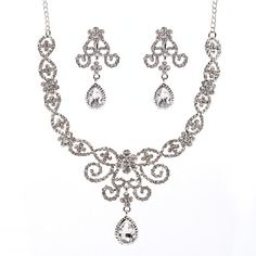 Splendid Ladies Necklace and Earrings Jewelry Set (50 cm) – USD $34.99