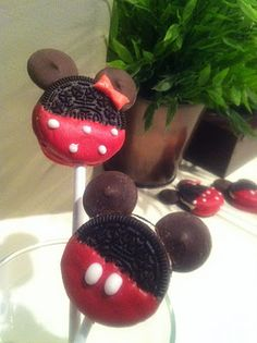 Mickey and Minnie Oreo Pops! Yum!
