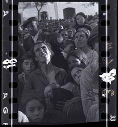 El Mnac exhibe fotos inéditas de Robert Capa, Gerda Taro y 'Chim' en la Guerra Civil española - 20minutos.es