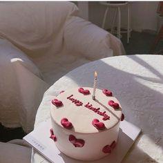 Sweet Cakes, Cute Cakes, Pretty Cakes, Beautiful Cakes, Amazing Cakes, Korean Cake, Cake Recipes, Dessert Recipes, Cute Desserts