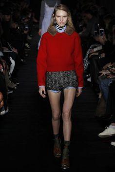 NO. 21 Autumn/Winter 2017 Ready-to-wear Collection | British Vogue