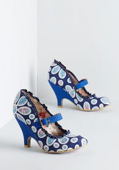 Irregular Choice Petal Me Everything Heel. Catch up with pals over cocktails in these striking, navy pumps by Irregular Choice. #blue #modcloth