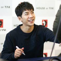 "💙AirenPhilippines on Instagram: ""#leeseunggi #seunggi #이승기 #李胜基 #イスンギ #hwayugi #akoreanodyssey #화유기 #theprincessandthematchmaker #maritalharmony #goonghap #궁합 #jipsabu…"" Korean Men, Korean Actors, Because I Love You, My Love, Korean Drama Stars, Goong, Seo Kang Joon, Lee Seung Gi, My King"