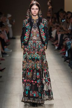 this looks like the national outfits of ukraine - the whole collection is very Russian Ukrainian influenced. - Valentino | Spring 2014 Ready-to-Wear Collection |  i need <3 #karinarussianpowpow  {Karina Porushkevich}